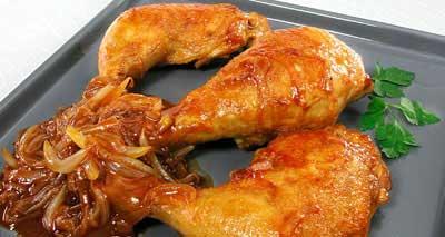 Тушеные куриные окорочка