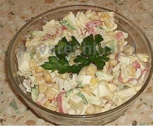 Салат с крабовыми палочками (новый)