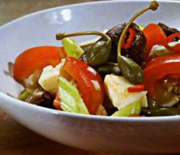 сборный салат с помидорами