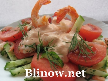 Салат из креветок с томатным майонезом
