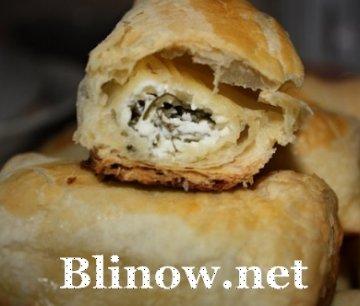 Слоеные палочки по-болгарски с сыром и зеленью