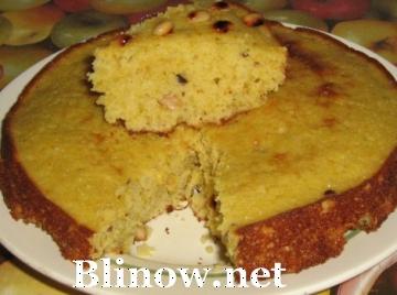 Пирог с цедрой апельсина и арахисом.